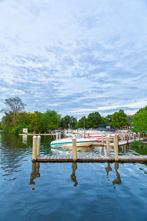 Located on the shore of Lake Minnetonka, Lord Fletcher's offers fine dining, entertainment and banquet services.