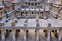 Inde, état du Gujarat, Patan, le puits à degrés Rani-Ki Vav (le puits de la Rani ou de la Reine), classé Patrimoine Mondial de l'UNESCO // India, Gujarat, Patan, Rani-Ki Vav stepwell, Unesco World Heritage site
