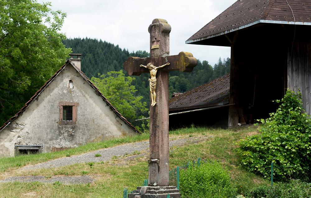 29.06.2017; Hof/Froehnd; Kreuz in Hof (Gemeinde Froehnd)<br /> (Foto: Steffen Schmidt)