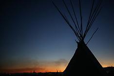 North Dakota: Standing Rock water protectors prepare for harsh North Dakota winter, 25 Nov. 2016