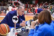 DESCRIZIONE : Varese Lega A 2014-15 Openjobmetis Varese Sidigas Avellino<br /> GIOCATORE : Attilio Caja<br /> CATEGORIA : pre game Allenatore Coach<br /> SQUADRA : Openjobmetis Varese<br /> EVENTO : Campionato Lega A 2014-2015<br /> GARA : Openjobmetis Varese Sidigas Avellino<br /> DATA : 10/05/2015<br /> SPORT : Pallacanestro<br /> AUTORE : Agenzia Ciamillo-Castoria/M.Ozbot<br /> Galleria : Lega Basket A 2014-2015 <br /> Fotonotizia: Varese Lega A 2014-15  Openjobmetis Varese Sidigas Avellino