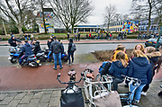 Nederland, Veenendaal, 8-2-2019Onrust en verontwaardiging bij het Christelijk Lyceum in Veenendaal nadat bekend werd dat undercover medewerkers van RTL4 een reallife programma vanuit de school wilde maken. Rector, schoolleiding, had wel toestemming gegeven .Vandaag werden de leerlingen naar huis gestuurd vanwege de onrust door de aanwezigheid van cameraploegen. Jongens met scootertjes stopten lampolie in de uitlaat van hun tweewieler die daardoor heftig ging roken...Foto: Flip Franssen
