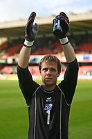 Photo: Andrew Unwin.<br />Northern Ireland v Iceland. European Championships 2008 Qualifying. 02/09/2006.<br />Iceland's goalkeeper, Arni Gautur Arason.