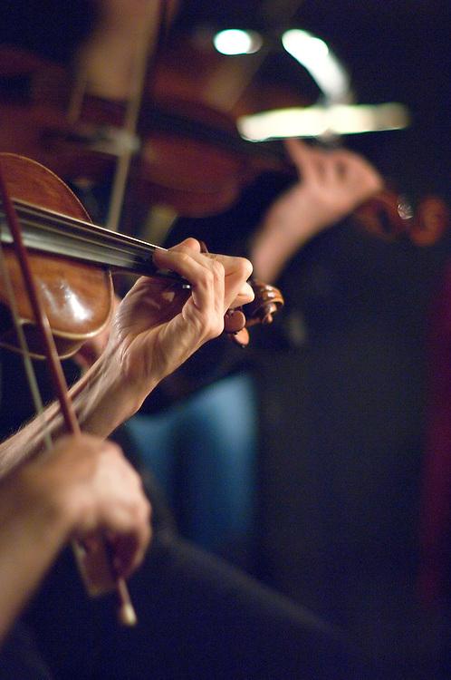 Répétitions de Giulio Cesare in Egitto de G.F. Haendel par l'ensemble Les Talens Lyriques sous la direction de Christophe ROUSSET, claveciniste et chef d'orchestre français, au Théatre des Champs-Elysées, Paris, Octobre 2006.