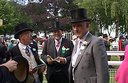 Michael White, David Ker and Rupert Lycett-Green, Ascot, Tuesday 15 June 2004. ONE TIME USE ONLY - DO NOT ARCHIVE  © Copyright Photograph by Dafydd Jones 66 Stockwell Park Rd. London SW9 0DA Tel 020 7733 0108 www.dafjones.com