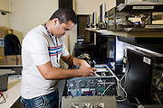 Belo Horizonte_MG, Brasil...Laboratorio de informatica de uma empresa em Belo Horizonte, Minas Gerais...Informatics Laboratory of a company in Belo Horizonte, Minas Gerais.. .Foto: BRUNO FIGUEIREDO / NITRO