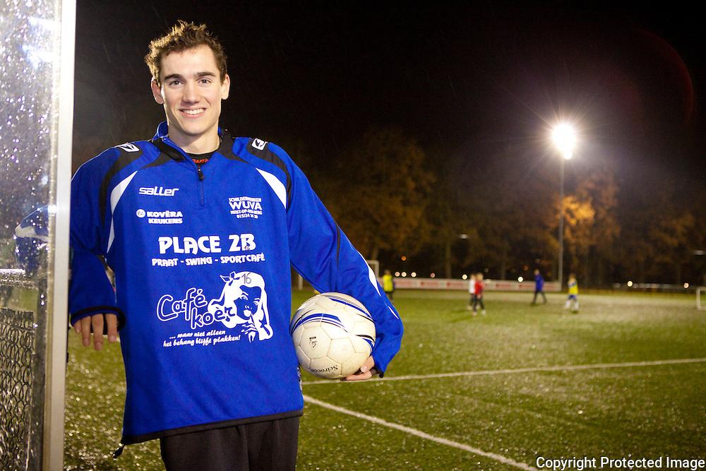 370663-Bart Vandenbroeck, voetballer SK Heist -Lostraat Heist op den Berg