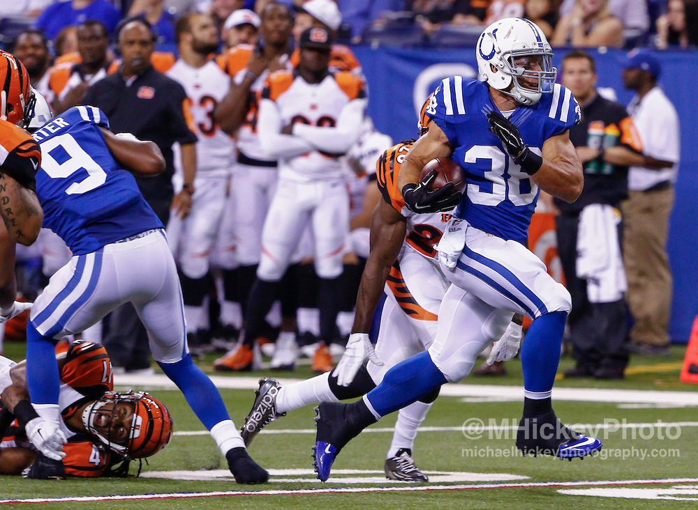 INDIANAPOLIS, IN - SEPTEMBER 3: Tyler Varga #38 of the Indianapolis Colts runs the ball against the Cincinnati Bengals at Lucas Oil Stadium on September 3, 2015 in Indianapolis, Indiana. (Photo by Michael Hickey/Getty Images) *** Local Caption *** Tyler Varga