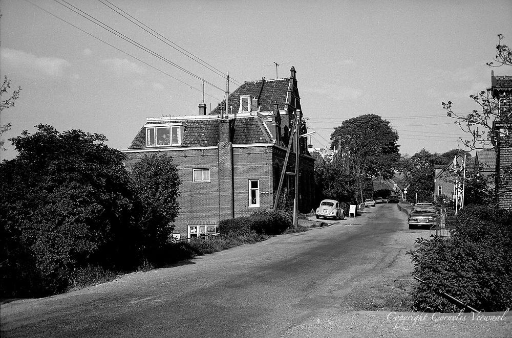 Het oude post en telegraaf kantoor aan de Lekdijk