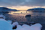 Winter mood at Voldsund, nearby Fosnavåg, Norway   Vinterstemning i fjøra på Voldsund.