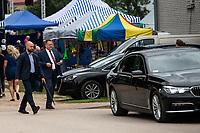 Nowy Dwor, woj. podlaskie, 08.08.2021. Obchody 100-lecia powstania Ochotniczej Strazy Pozarnej (OSP) w tej miejscowosci. N/z posel PiS Jaroslaw Zielinski ( P ) , ktory byl wiceministrem MSWiA do 11.2019 roku, nadal wozi sie jak minister. Do Nowego Dworu przyjechal rzadowa limuzyna BMW serii 7 z kierowca i ochroniarzem, ktory nie odstepowal go na krok. fot Michal Kosc / AGENCJA WSCHOD