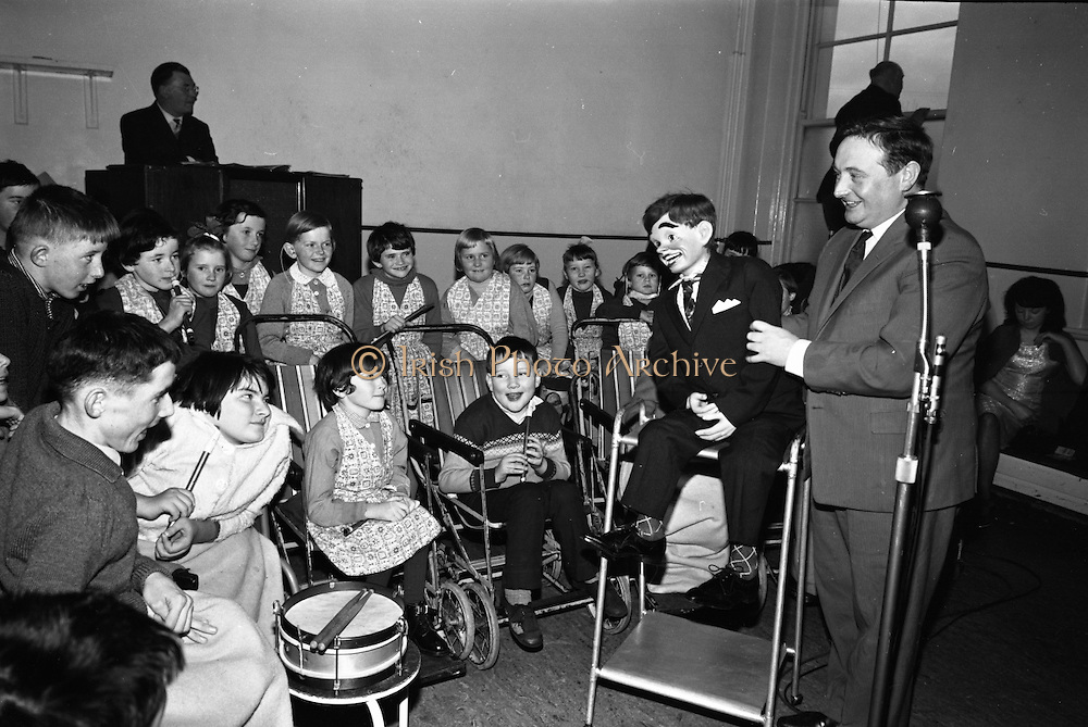 Prescott's Party for Children at St. Mary's Hospital, Baldoyle..1964..16.12.1964..12.16.1964..16th December 1964..At St Mary's Hospital in Baldoyle,Dublin, Prescotts Cleaners and Dyers sponsored a party for the disabled children who are resident there.
