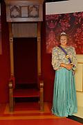Nederlandse Royals in het Wassenbeeldenmuseum Madame Tussauds , Amsterdam.<br /> <br /> Op de foto:  Het Wassenbeeld van Koningin Beatrix
