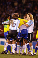 Fotball, 6. juni 2005,  - <br />  - QUALIFYING ROUND -  - ARGENTINA v BRAZIL - 08/06/2005 - CLASH UNDER ARGENTINIANS AND BRAZILIANS PLAYERS<br /> PHOTO BERTRAND MAHE / DIGITALSPORT<br /> NORWAY ONLY *** Local Caption *** 40001670