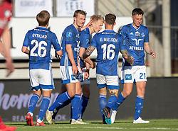 Målscorer Magnus Warming (Lyngby Boldklub) tiljubles efter udligningen til 1-1 under kampen i 3F Superligaen mellem Lyngby Boldklub og FC København den 1. juni 2020 på Lyngby Stadion (Foto: Claus Birch).