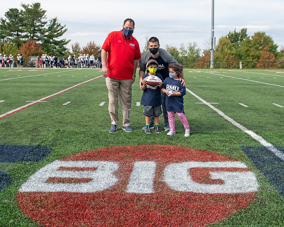 RMU v Howard at Joe Walton Stadium in Moon Township, PA on 9/25/21