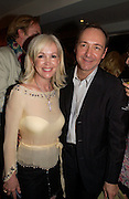 Sally Greene and Kevin Spacey, '24 hour plays' charity evening at the Old vic Theatre. June 6 2004.  Kevin Spacey artistic director for 6 short plays written and rehearsed in 24 hours. ONE TIME USE ONLY - DO NOT ARCHIVE  © Copyright Photograph by Dafydd Jones 66 Stockwell Park Rd. London SW9 0DA Tel 020 7733 0108 www.dafjones.com