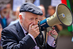 Luton, UK. 27th June, 2015. Kelvin Hopkins, Labour MP for Luton North, speaks at a counter-protest against a march in the town by far-right group Britain First.