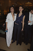 Marie Elvin and Saffron Burrows. David Bailey dinner hosted by Lucy Yeomans at Gordon Ramsay at Claridge's. 12 November 2001. © Copyright Photograph by Dafydd Jones 66 Stockwell Park Rd. London SW9 0DA Tel 020 7733 0108 www.dafjones.com