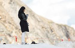 THEMENBILD - Arabische Touristen am Kitzsteinhorn Gletscher an einem heissen Sommertag. Jedes Jahr besuchen mehrere Tausend Gäste aus dem arabischen Raum die Urlaubsregion im Salzburger Pinzgau, aufgenommen am 13. August 2018 in Kaprun, Österreich // Arabic Tourists spend their time during a hot summer day on the top of the Kitzsteinhorn glacier. Every year thousands of guests from Arab countries takes their holiday in Zell am See - Kaprun Region, Kaprun, Austria on 2018/08/13. EXPA Pictures © 2018, PhotoCredit: EXPA/ Stefanie Oberhauser