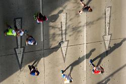 12.04.2015, Wien, AUT, Vienna City Marathon 2015, im Bild Feature Läufer // feature runners during Vienna City Marathon 2015, Vienna, Austria on 2015/04/12. EXPA Pictures © 2015, PhotoCredit: EXPA/ Michael Gruber