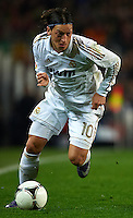BARCELONA, SPAIN - JANUARY 25: Mesut Ozil of Real Madrid during the Copa del Rey quarter final match between Barcelona and Real Madrid at Estadio Nou Camp on January 25, 2012 in Barcelona, Spain.. (Photo by Manuel Queimadelos)