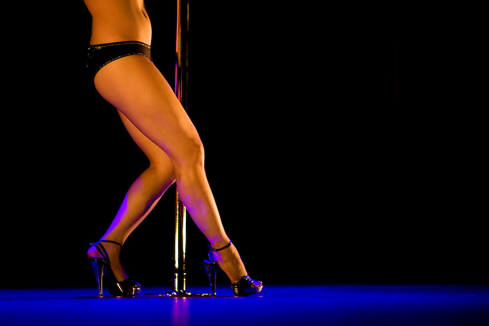 Lundi 14 Septembre 2009. Paris, France..Premiere competition Officielle de Pole Dance en France..20eme Theatre (Paris 20eme)..Linda Vong Dara