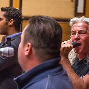 NLD/Hilversum/20130930 - Repetitie Metropole Orkest voor concert, L.A. the Voices, Remko Harms, Richy Brown, Roy van den Akker en Peter William Strykes met Frans Duijts