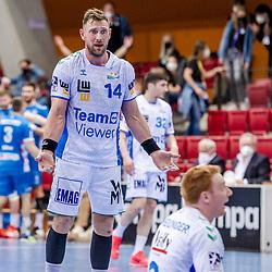 Jacob Bagersted (FRISCH AUF! Goeppingen #14) ; entsetzt / LIQUI MOLY HBL 20/21  1. Handball-Bundesliga: TVB Stuttgart - FRISCH AUF! Goeppingen am 24.04.2021 in Stuttgart (SCHARRena), Baden-Wuerttemberg, Deutschland,<br /> <br /> Foto © PIX-Sportfotos *** Foto ist honorarpflichtig! *** Auf Anfrage in hoeherer Qualitaet/Aufloesung. Belegexemplar erbeten. Veroeffentlichung ausschliesslich fuer journalistisch-publizistische Zwecke. For editorial use only.