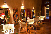 The gourmet Restaurant Le Jardin d'Ausone in the old town in Bordeaux: the bar