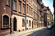 Ulica Krzywe Koło, Stare Miasto w Warszawie, Polska<br /> Krzywe Koło Street, Old Town, Warsaw, Poland