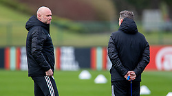 CARDIFF, WALES - Monday, March 29, 2021: Wales' care-taker manager Robert Page (L) during a training session at the Vale Resort ahead of the FIFA World Cup Qatar 2022 Qualifying Group E game against the Czech Republic. (Pic by David Rawcliffe/Propaganda)