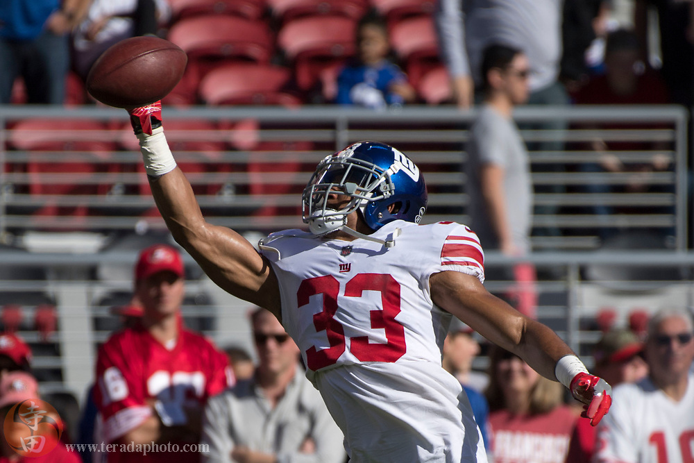 November 12, 2017; Santa Clara, CA, USA; New York Giants free safety Andrew Adams (33) warms up before the game against the San Francisco 49ers at Levi's Stadium.