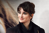 Penelope Cruz attending the opening of the movie Volver a Nacer