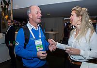 BUSSUM - Joost Hage met Marloes Olling .   Nationaal Golf Congres & Beurs. COPYRIGHT KOEN SUYK