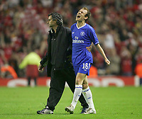 Fotball<br /> Foto: Colorsport/Digitalsport<br /> NORWAY ONLY<br /> <br /> ARJEN ROBBEN (Chelsea) shows his despair at the final whistle as Jose Mourinho consoles him<br /> <br /> UEFA Champions League Semi-Final 2nd leg. 3/5/2005. <br /> <br /> Liverpool v Chelsea