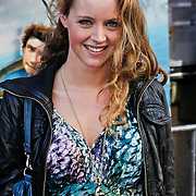 NLD/Amsterdam/20100321 -  Inloop premiere Hoe Tem je een draak, Liza Sips
