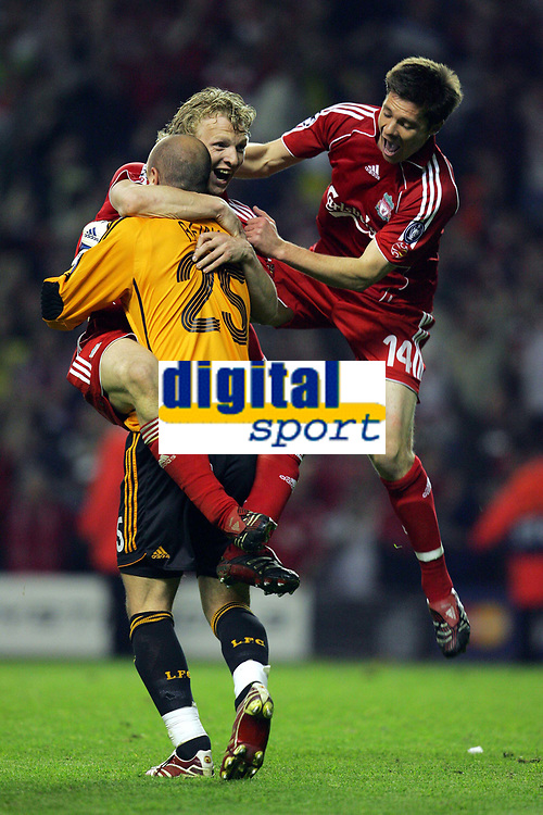 Hero Pepe Reina Celebrates Liverpoo Team mates Dirk Kuyt and Xabi Alonso after dramatic Victory<br />Liverpool 2006/07<br />Liverpool V Chelsea 01/05/07 <br />The UEFA Champions League Semi Final 2nd Leg<br />Photo Robin Parker Fotosports International