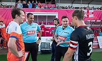 ANTWERPEN -  Mats Grambusch (Ger) met Seve Ass (Ned) ,  en umpires Vazquez en Mejzlik .   voor  hockeywedstrijd  mannen ,Nederland-Duitsland (3-2) ,   bij het Europees kampioenschap hockey.   COPYRIGHT KOEN SUYK