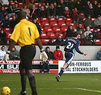 Photo:Mark Stephenson,Walsall fc v Swindon Town.<br />Coca Cola league 2,9-12-2006<br />Swindons goal scorer Lucas Jutkiewicz (L) As Walsalls goal keeper Glayton Ince lookes on.