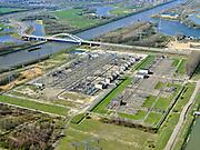 Nederland, Noord-Holland, Diemen, 02-09-2020; PEN-eiland (Diemer Vijfhoek) met Centrale Diemen, STEG-warmtekrachtcentrale, electriciteitscentrale van Vattenfall (voorheen Nuon). Naast de centrale de warmtebuffer voor opslag van stadswarmte. In de achtergrond het stroom verdeelstation.<br /> Vattenfall power plant near Amsterdam.<br /> luchtfoto (toeslag op standard tarieven);<br /> aerial photo (additional fee required);<br /> copyright foto/photo Siebe Swart