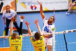 20150426 NED: Eredivisie Landstede Volleybal - Abiant Lycurgus, Zwolle<br />Gino Naarden (5) of Abiant Lycurgus<br />©2015-FotoHoogendoorn.nl / Pim Waslander