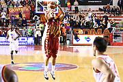 DESCRIZIONE : Roma Campionato Lega A 2013-14 Acea Virtus Roma Umana Reyer Venezia<br /> GIOCATORE : Andre Smith<br /> CATEGORIA : three points<br /> SQUADRA : Umana Reyer Venezia<br /> EVENTO : Campionato Lega A 2013-2014<br /> GARA : Acea Virtus Roma Umana Reyer Venezia<br /> DATA : 05/01/2014<br /> SPORT : Pallacanestro<br /> AUTORE : Agenzia Ciamillo-Castoria/M.Simoni<br /> Galleria : Lega Basket A 2013-2014<br /> Fotonotizia : Roma Campionato Lega A 2013-14 Acea Virtus Roma Umana Reyer Venezia<br /> Predefinita :