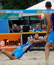 06-06-2010 VOLLEYBAL: JIBA GRAND SLAM BEACHVOLLEYBAL: AMSTERDAM<br /> In een koninklijke ambiance streden de nationale top, zowel de dames als de heren, om de eerste Grand Slam titel van het seizoen bij de Jiba Eredivisie Beach Volleyball - Reinder Nummerdor<br /> ©2010-WWW.FOTOHOOGENDOORN.NL
