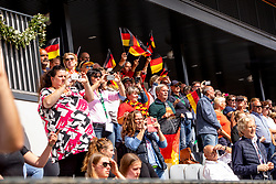 Deutsche Zuschauer jubeln<br /> Rotterdam - Europameisterschaft Dressur, Springen und Para-Dressur 2019<br /> Impressionen am Rande<br /> Longines FEI European Championships Dressage Grand Prix - Teams (2nd group)<br /> Teamwertung 2. Gruppe<br /> 20. August 2019<br /> © www.sportfotos-lafrentz.de/Stefan Lafrentz