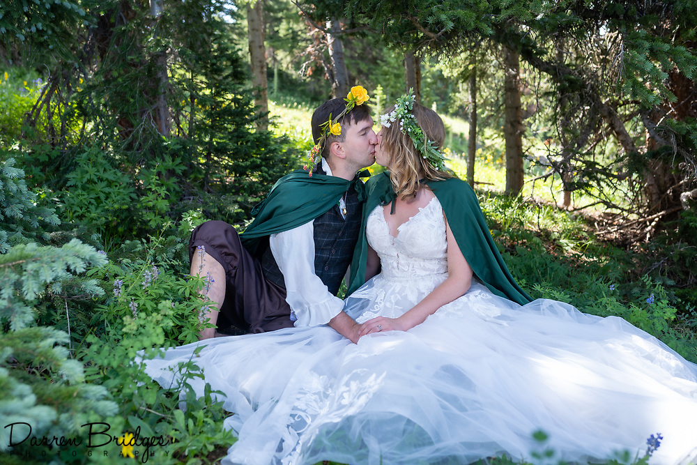 Two fantastic days with Marisa and Robert, first on Aspen Mountain and then with family and friends at the Aspen Meadows Resort. Congratulations to you both!!
