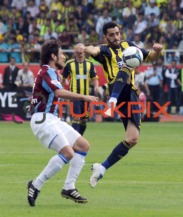 Fenerbahce's Daniel Gonzalez GUIZA (R) during their Turkey Cup final match Trabzonspor between Fenerbahce at the GAP Arena Stadium at Urfa Turkey on wednesday, 05 May 2010. Photo by TURKPIX