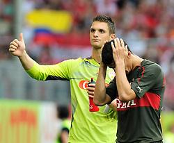 22.08.2010, Bruchwegstadion, Mainz, GER, 1. FBL, FSV Mainz 05 vs VfB Stuttgart, im Bild nach dem Spiel: Sven Ulreich (Stuttgart #1) und Khalid Boulahrouz (Stuttgart #21), EXPA Pictures © 2010, PhotoCredit: EXPA/ nph/  Roth+++++ ATTENTION - OUT OF GER +++++ / SPORTIDA PHOTO AGENCY
