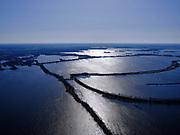 Nederland, Noord-Holland, Loenen;  03-23-2020; Waterleidingplas onderdeel Loenderveense plas. Waterwingebied. Kwelwater uit de plassen en de Bethunepolder wordt in de plas gezuiverd. Tegenlicht, grafisch.<br /> Water extraction and purification area near Amsterdam. <br /> luchtfoto (toeslag op standard tarieven);<br /> aerial photo (additional fee required)<br /> copyright © 2020 foto/photo Siebe Swart