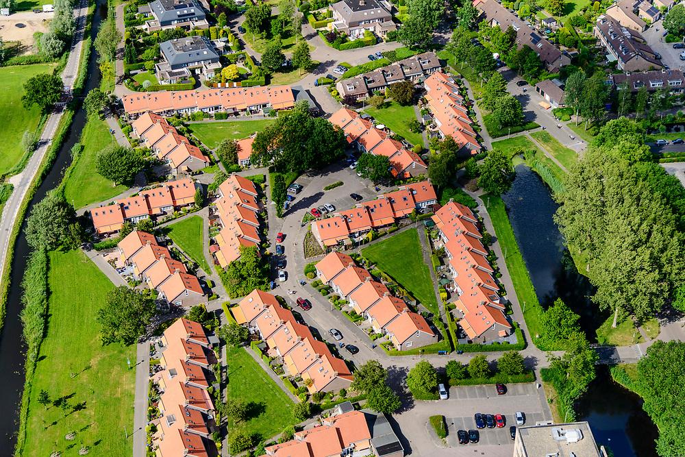 Nederland, Noord-Holland, Gemeente Wijdemeren, 13-06-2017; 's-Graveland, nieuwbouw ten noorden van de Kerklaan.<br /> Village, new neigbourhood.<br /> luchtfoto (toeslag op standard tarieven);<br /> aerial photo (additional fee required);<br /> copyright foto/photo Siebe Swart